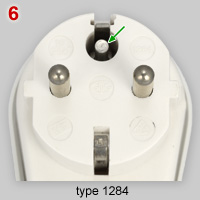 Schuko socket with additional earth pin
